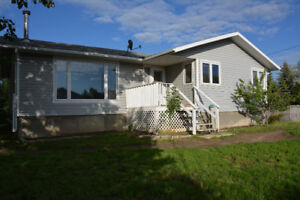 Dunmore 3+1 House with double heated garage
