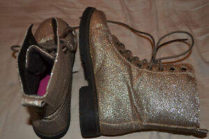 Gold Glitter Combat Boots Sz 38 (i think 7/8) Kitchener / Waterloo Kitchener Area image 3
