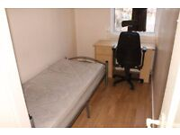 Cheapest room in Bow!!!! Only £75 per week!! Move in with 2 weeks deposit!!!
