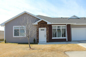 Immaculate Bungalow in High River! (508 Sunvale Cres NE)
