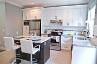 BEAUTIFUL BRIGHT 2 BEDROOM + DEN FOR RENT! VERY CENTRAL AREA!