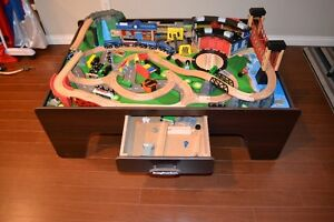 Imaginarium Train table COMPLETE AND VERY GOOD CONDITION