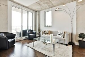 Beautiful condo on the 14th floor overlooking the old port
