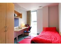 1 single room with ensuit bathroom all inclusive