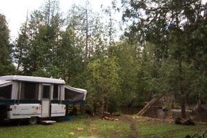 For Sale: 2001 Coleman Sante Fe Tent trailer