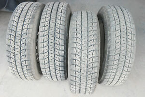 winter tires for Nissan Versa Note $400 set of 4 c/w rims