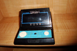 omy Tomytronic TRON Tabletop Arcade Video Game 1981