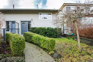 $2500(ORCA_REF445E2)2bed/1 bath 1/2 douplex 1122 sq/ft in North