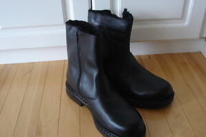Genuine leather winter boots, made in Canada. New.