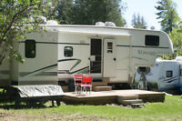 Glendale Titanium 5th Wheel Trailer - Anxious To Sell