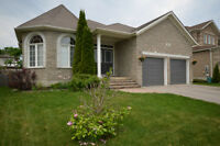 OPEN HOUSE SAT 1-3 -South East Barrie Bungalow