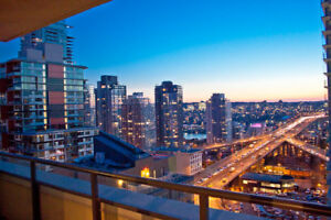 Downtown CONDO VIEWS 2 BD/2 BTH, Pkng/utils included FURNISHED