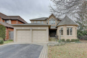 STUNNING 4BD LUXURY HOME OAKVILLE  W/ POOL & FINISHED BASEMENT