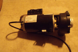 2 hot tub motors with pumps.Like new.