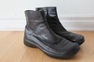 Women's Ankle Boots - Black Leather - Naot Brand