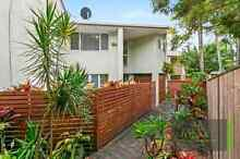 2 Large Rooms for Rent Close to Broadwater, Uni, Hospital Labrador Gold Coast City Preview