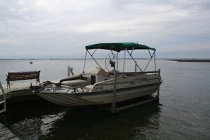 1996 SeaArk Suntastic Deck Boat / Bateau Ponté