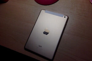 Looking to trade iPad Mini 4 (Gold) for iPhone 6 West Island Greater Montréal image 5