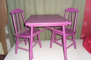 PURPLE TABLE AND 2 CHAIRS
