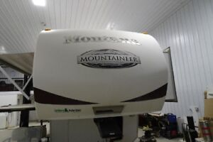 2010 MONTANA MOUNTAINEER 326RLT