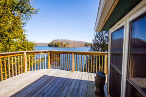 SMRT- Great Getaway Lakefront Cottage and Bunkie