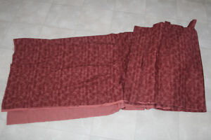 New Flannelette material 6.5 M ( long ) x1.1M ( wide ) maroon