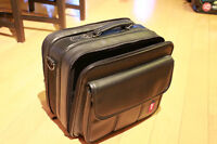 """Laptop bag in excellent condition - Fits 14"""" or smaller"""