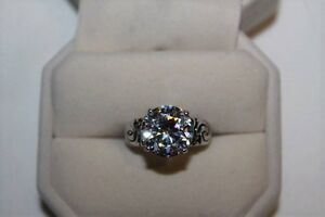 Ladies Engagement Ring With A 3 Carat Cubic Zirconia New Conditi