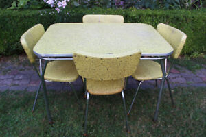 1950's-1960's Vintage Arborite Chrome Table with Leaf & 4 Chairs
