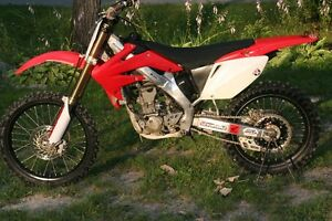 Honda CRF250R Showroom Condition