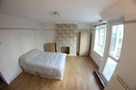 2 DOUBLE ROOMS AVAILABLE IN STEPNEY GREEN WITH EXCELLENT TRANSPORT LINKS