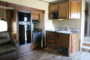 2014 PROWLER P289 - Fifth Wheel Regina Regina Area image 5