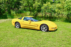 Loaded, Low Mileage, Immaculate 2000 Corvette Coupe