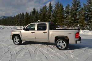 2007 Chevrolet Silverado 1500 Crew Cab Short Box 4.8L 4x4 Low K