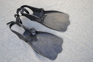Outcast Fishing Fins Kitchener / Waterloo Kitchener Area image 1