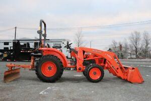 2012 Kubota L3200HST Tractor w/ Front Loader and Grader
