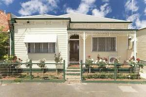 BACK UNIT FOR RENT IN BRUNSWICK IN GREAT LOCATION! Brunswick Moreland Area Preview