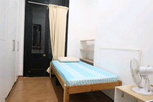 single room with bills included