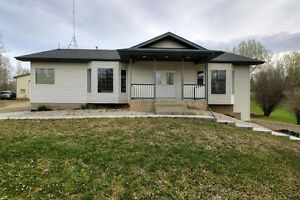 IMMACULATE W/O BUNGALOW! 1536 FT2 PROF GRADE SHOP! 4.29 ACRES!