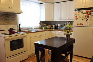 6.5/3bedroom with large deck- NDG (Fridge/Stove incl.)