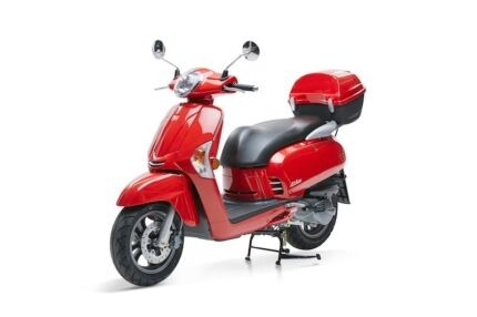 Kymco ak550 the beast is here technology at its best 2018 kymco like 200i fandeluxe Image collections