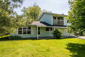 Beautiful Large 5 bedroom home near NSCC Akerley CAMPUS