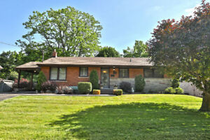 New Bungalow Listing in Dundas! Don't miss this chance!
