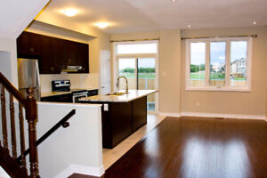 A NEW Best of best townhome (End Unit,3 beds,3 bath)