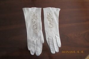 Vintage Ladies Short Gloves in Kid Leather - Size 6 1/2