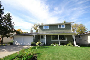 RENOVATED AND UPDATED CHARLESWOOD HOME