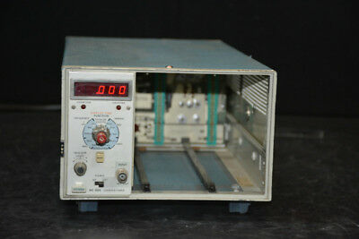 Tektronix TM503 / DC504 3 - Slot Chassis w Counter / Timer Plug-In
