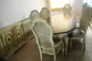 Silent Bidders ONLINE Auction Dining Room Suite