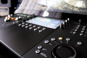 Avid Artist Control v2 - Like New London Ontario image 2