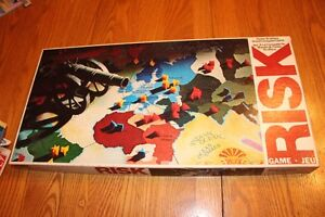 VINTAGE RISK BOARD GAME IN GREAT CONDITION!